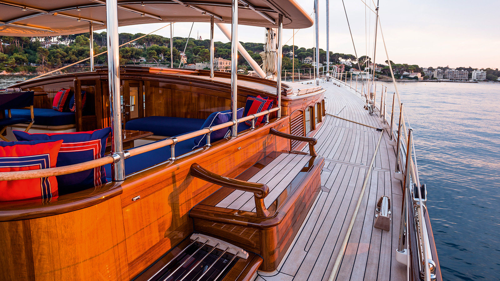 Atalante Yacht Deck