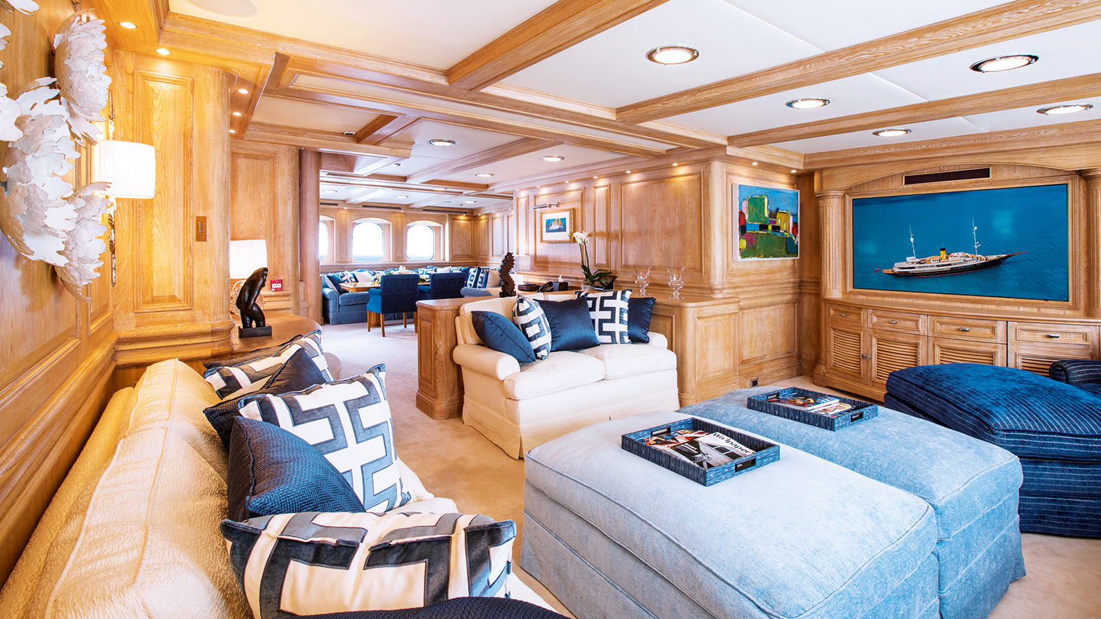 the-owners-lounge-of-the-modern-classic-yacht-nero-after-her-mb92-refit-credit-stuart-pearce