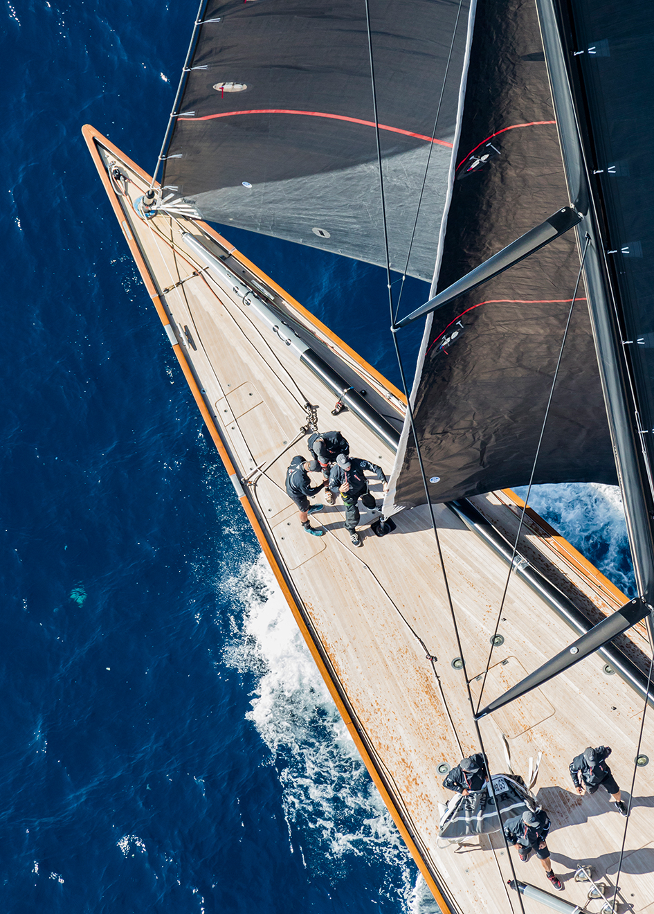 the-foredeck-of-the-j-class-sailing-yacht-svea-credit-carlo-borlenghi