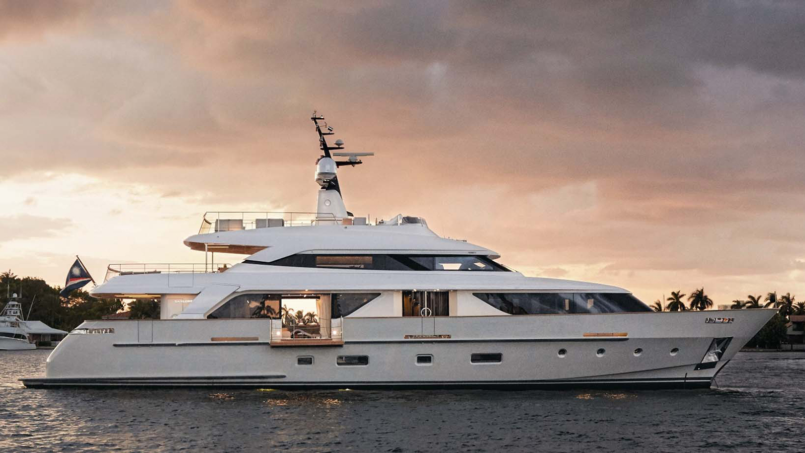 this-new-sanlorenzo-sd112-yacht-has-been-sold