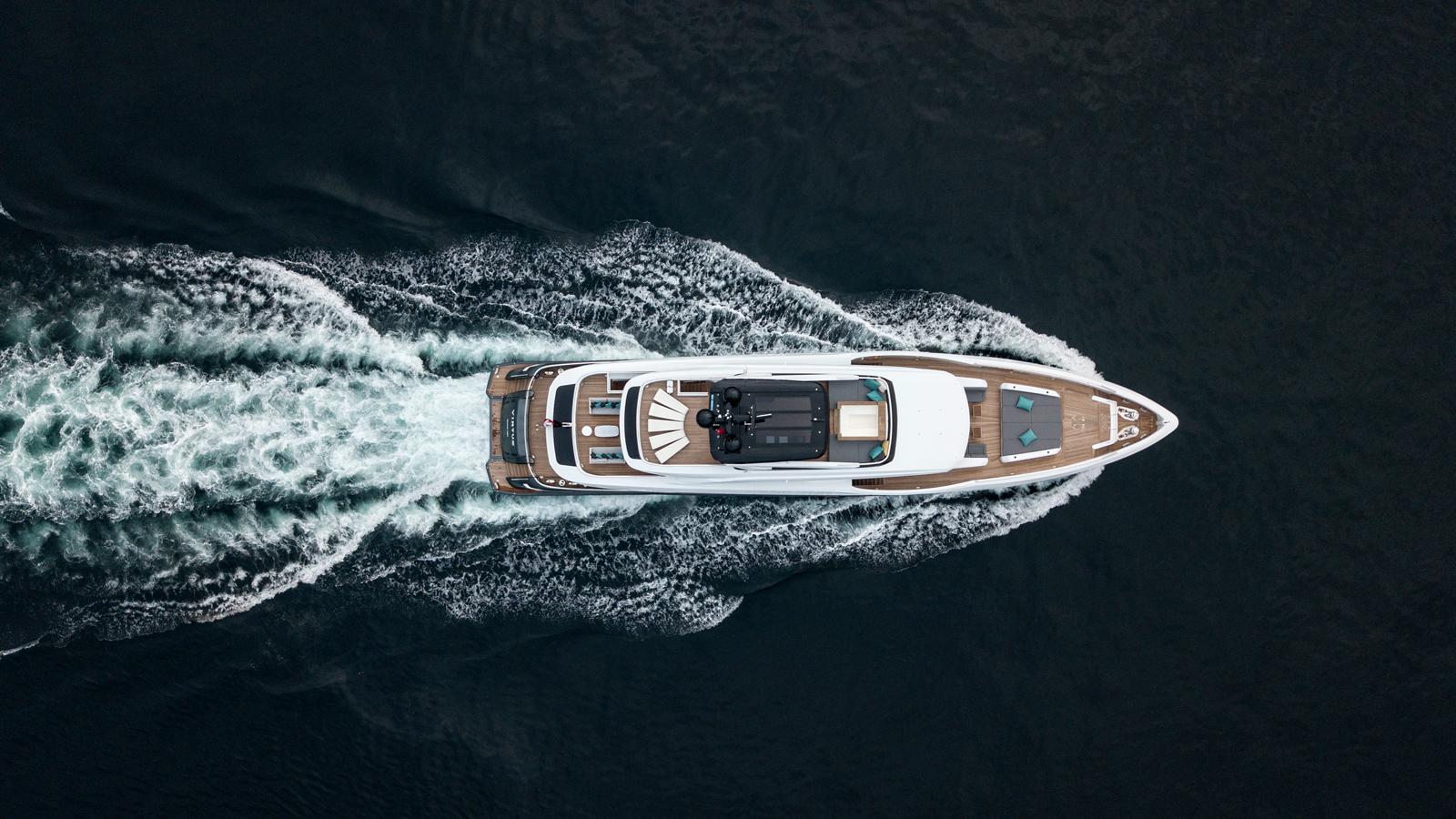 mengi-yay-superyacht-virtus-44