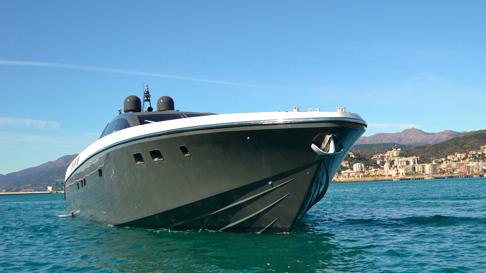 the-bow-of-the-otam-millenium-80ht-yacht-mystere