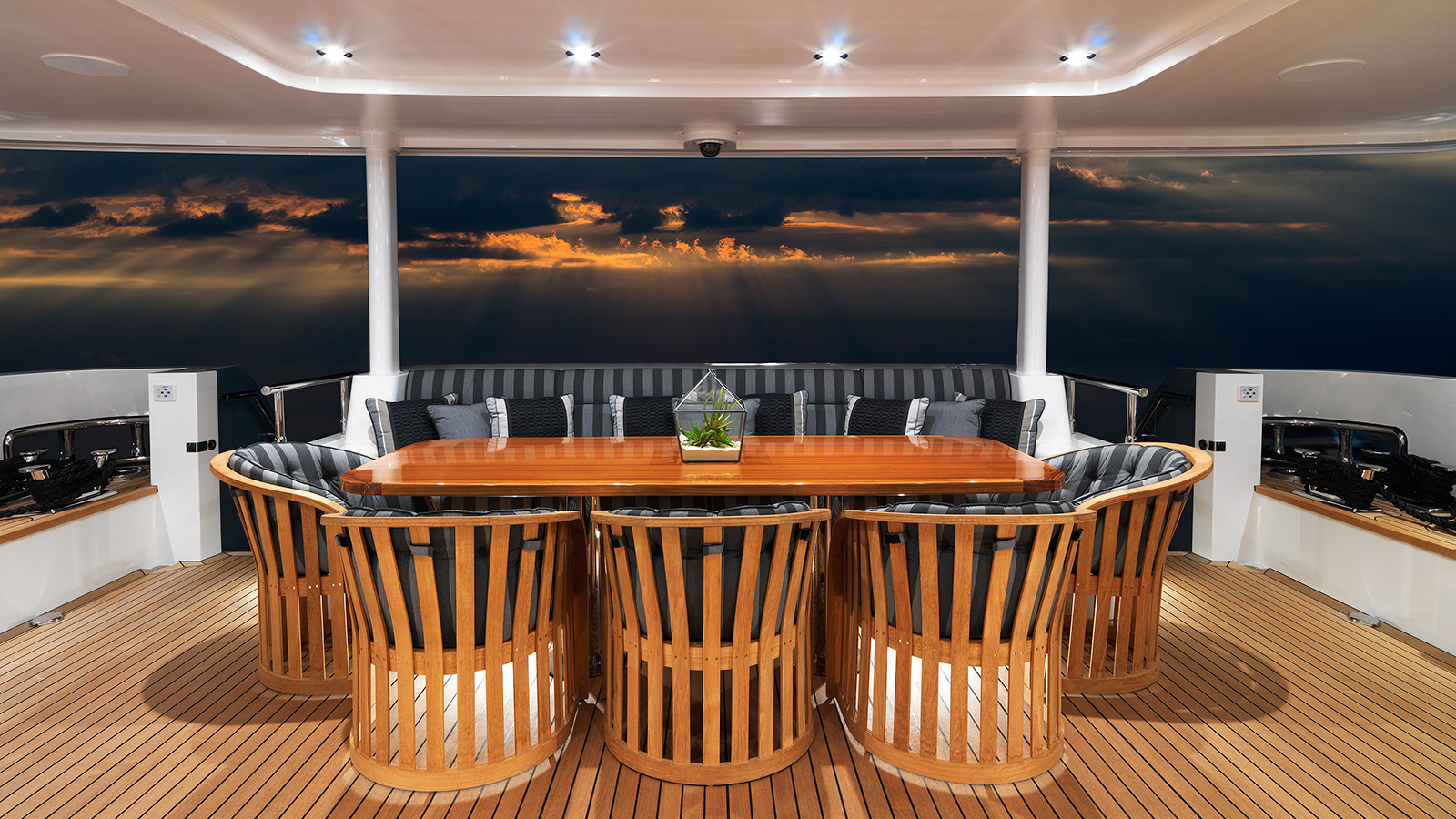 the-aft-deck-on-cantiere-delle-march-darwin-107-super-yacht-storm