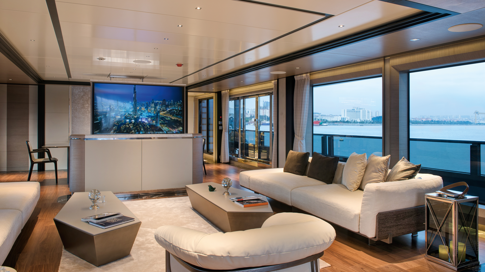 mengi-yay-superyacht-virtus-44-saloon
