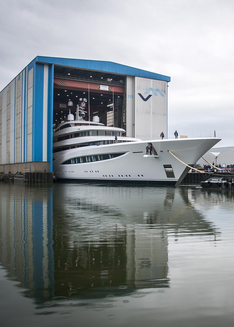 feadship-super-yacht-faith-leaving-the-makkum-shed