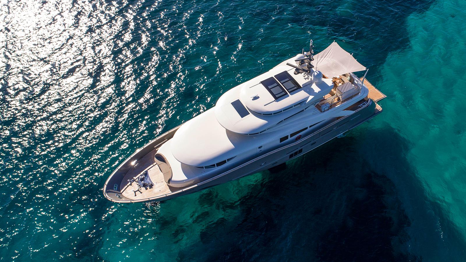 aerial-view-of-the-filippetti-navetta-26-yacht-maxima