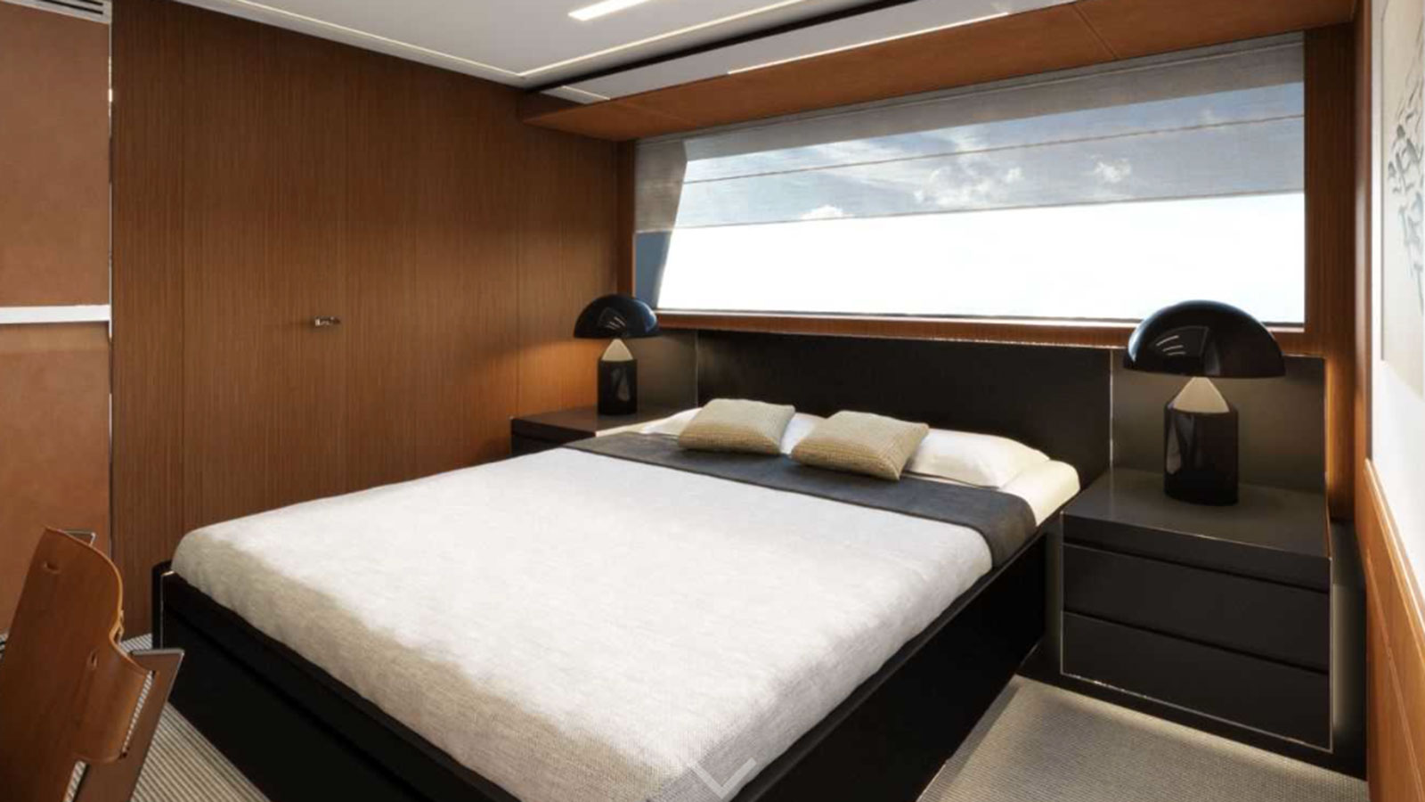 guest-cabin-on-the-riva-100-corsaro-super-yacht