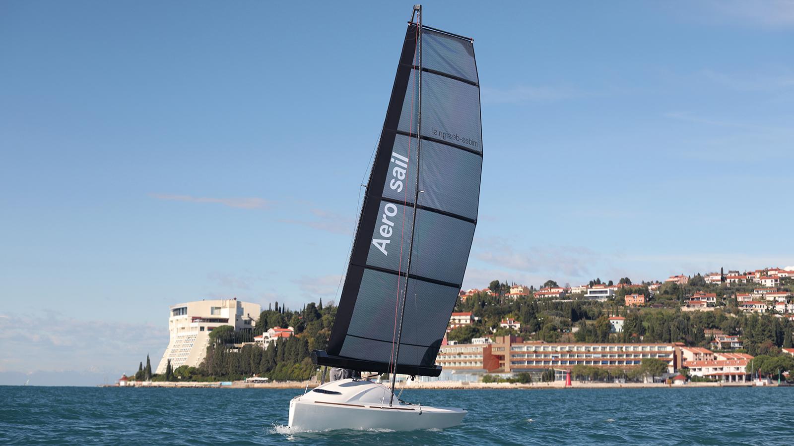 bow-view-of-the-five-metre-aero-sail-prototype