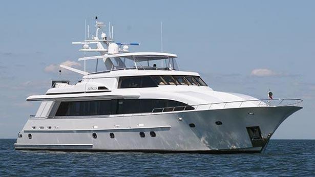 Motor yacht Kapalua sold by Westport and Northrop & Johnson