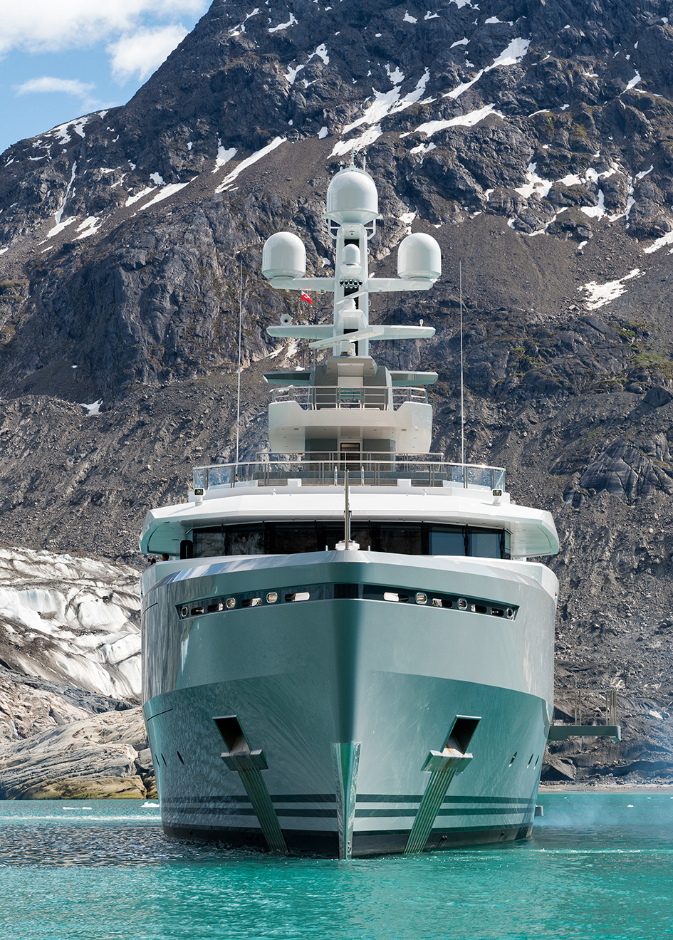 the-bow-of-abeking-and-rasmussen-explorer-yacht-cloudbreak