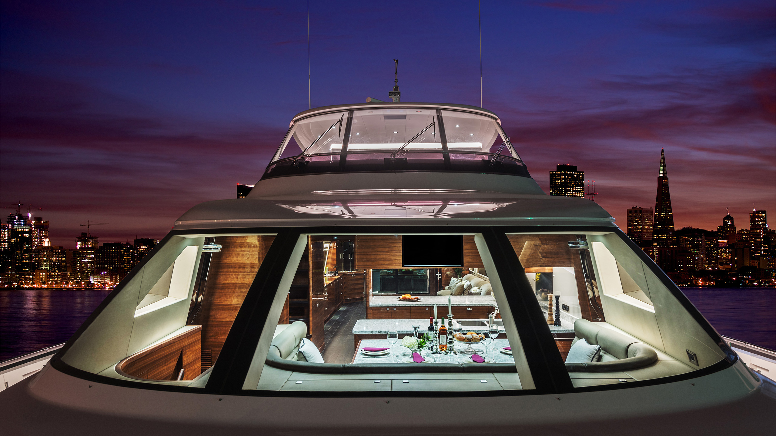 the-foredeck-of-the-horizon-e98-yacht-do-it-now-credit-jim-raycroft