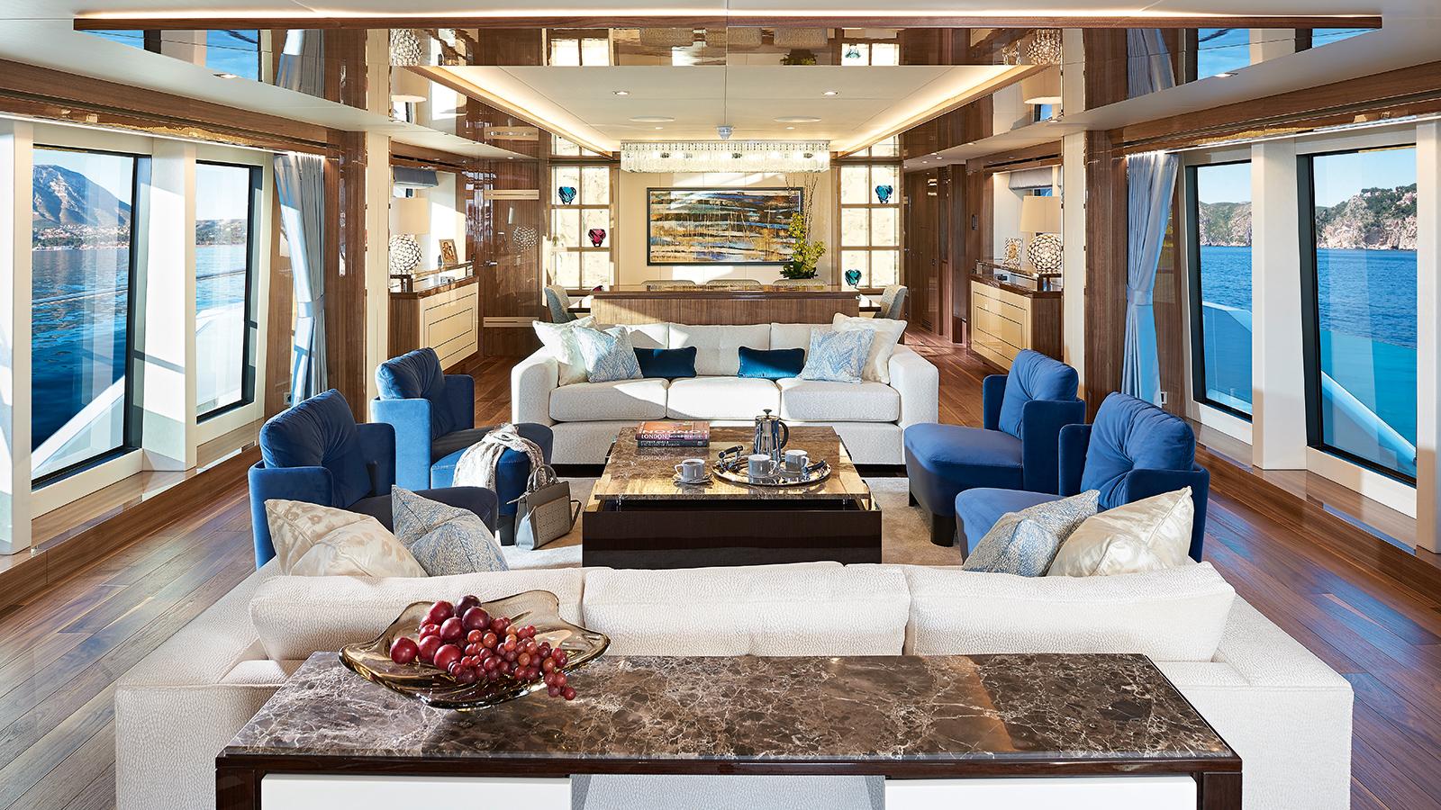 the-main-saloon-of-the-sunseeker-131-yacht-zozo