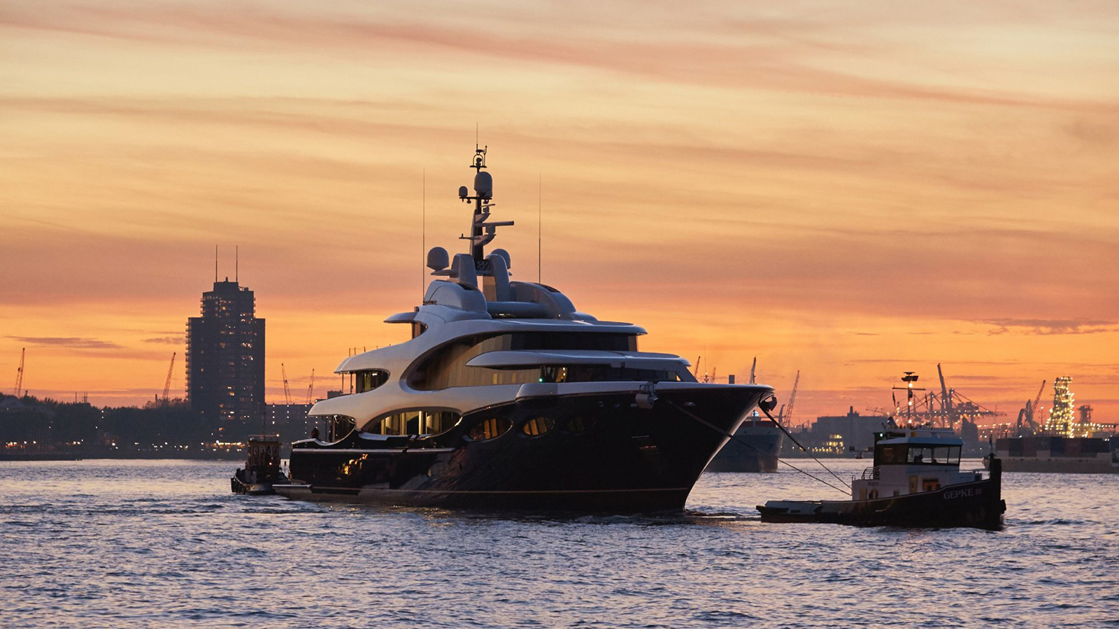 oceanco-super-yacht-y715-shortly-after-her-launch