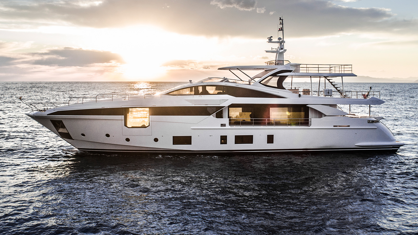 side-view-of-the-azimut-grande-35-metri-yacht