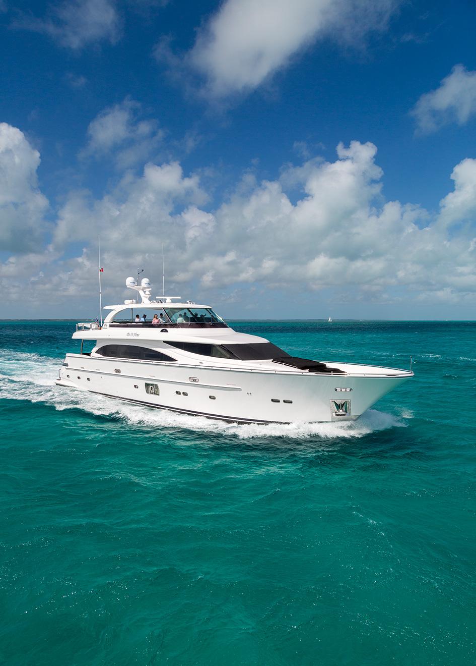 running-shot-of-the-horizon-e98-yacht-do-it-now-credit-jim-raycroft