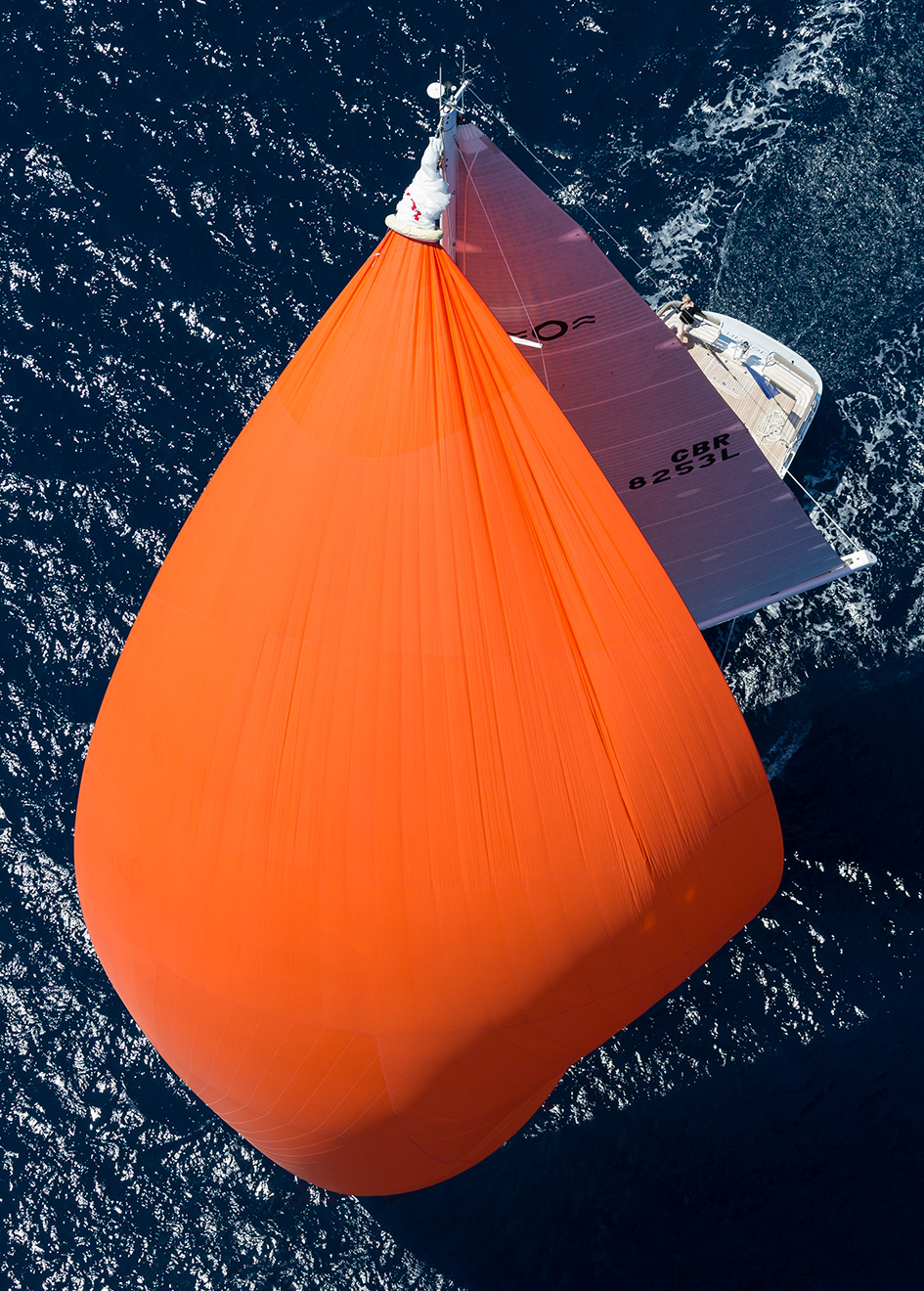 the-oyster-825-sailing-super-yacht-maegan-with-her-spinnaker-aloft