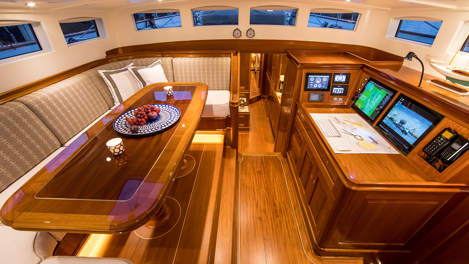 the-saloon-of-claasen-truly-classic-90-sailing-yacht-acadia