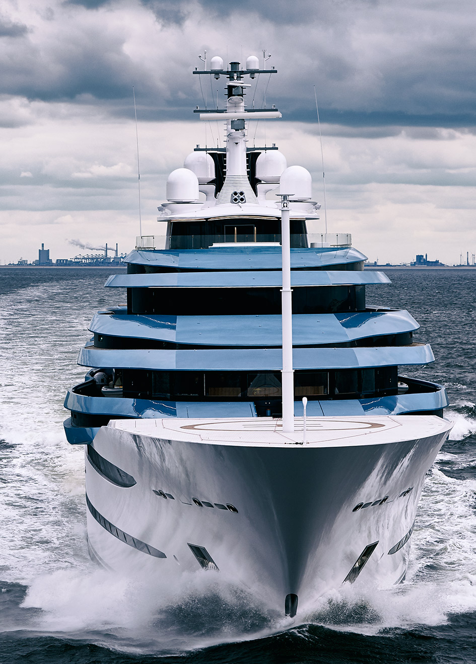 bow-view-of-oceanco-super-yacht-project-jubilee