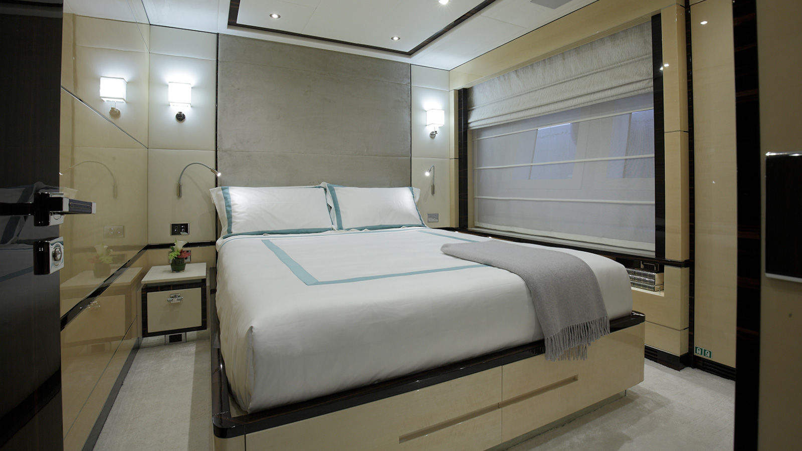 one-of-the-guest-cabins-on-the-benetti-fast-125-yacht-skyler