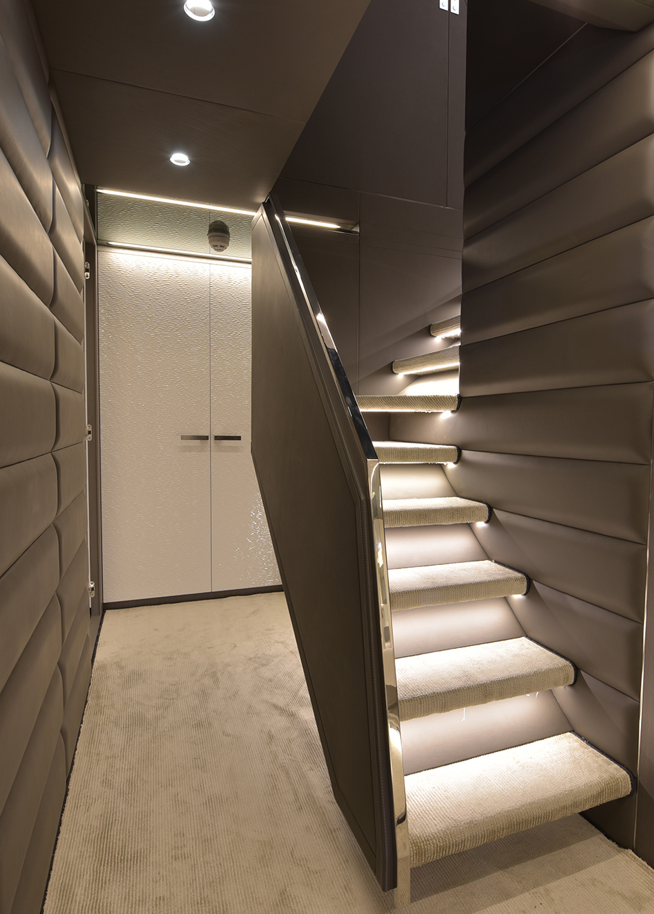 the-staircase-of-the-arcadia-100-yacht-aria-s