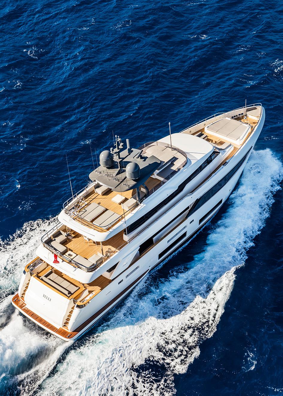 aerial-view-of-the-ferretti-custom-line-motor-yacht-telli-credit-maurizio-paradisi