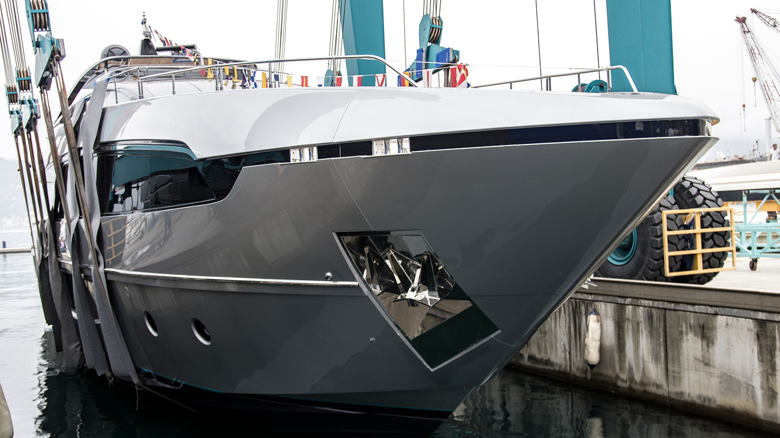 the-first-riva-100-corsaro-super-yacht-hits-the-water-for-the-first-time