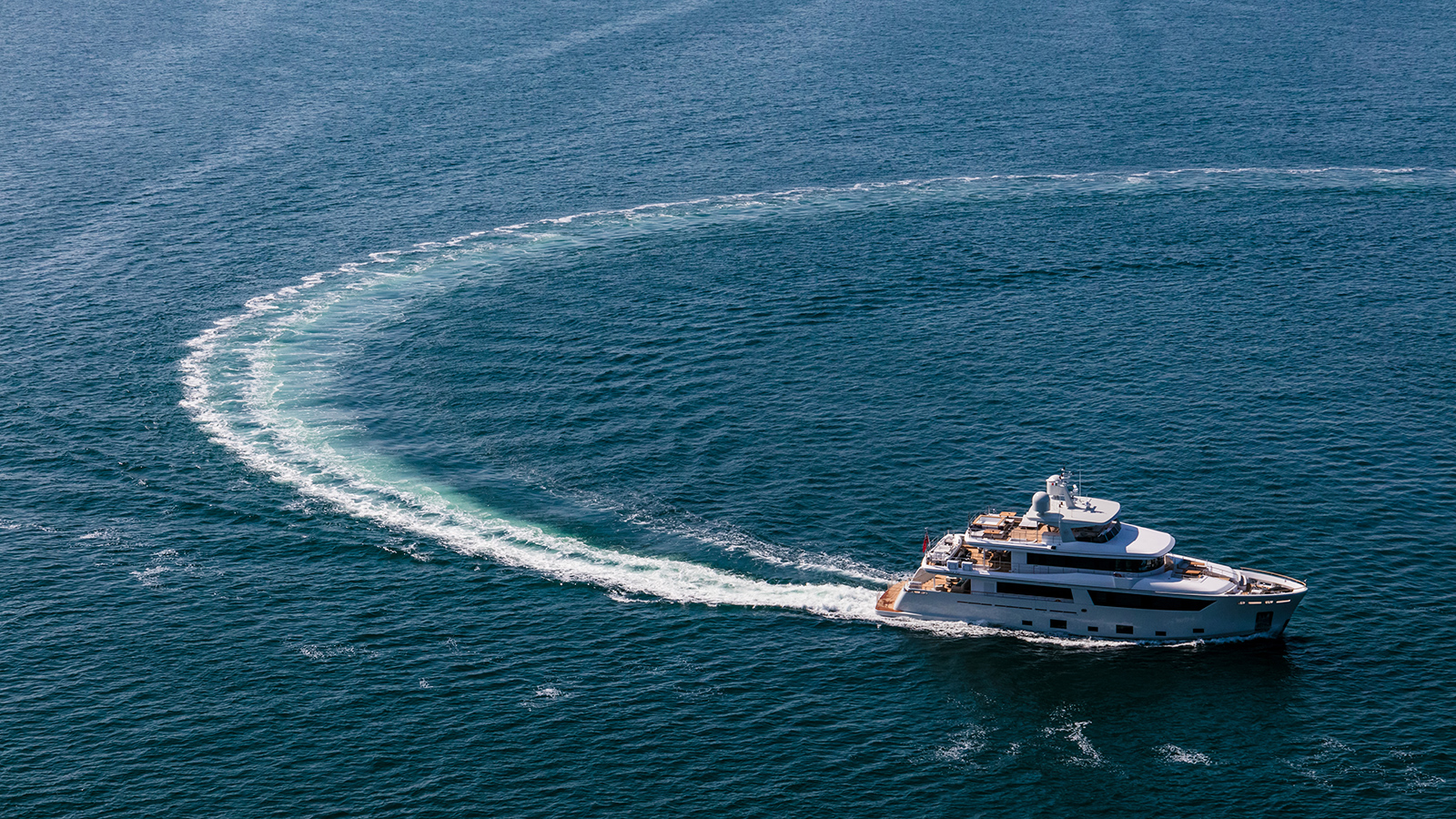 helicopter-running-shot-of-the-nauta-air-108-yacht-narvalo-from-cantiere-delle-marche