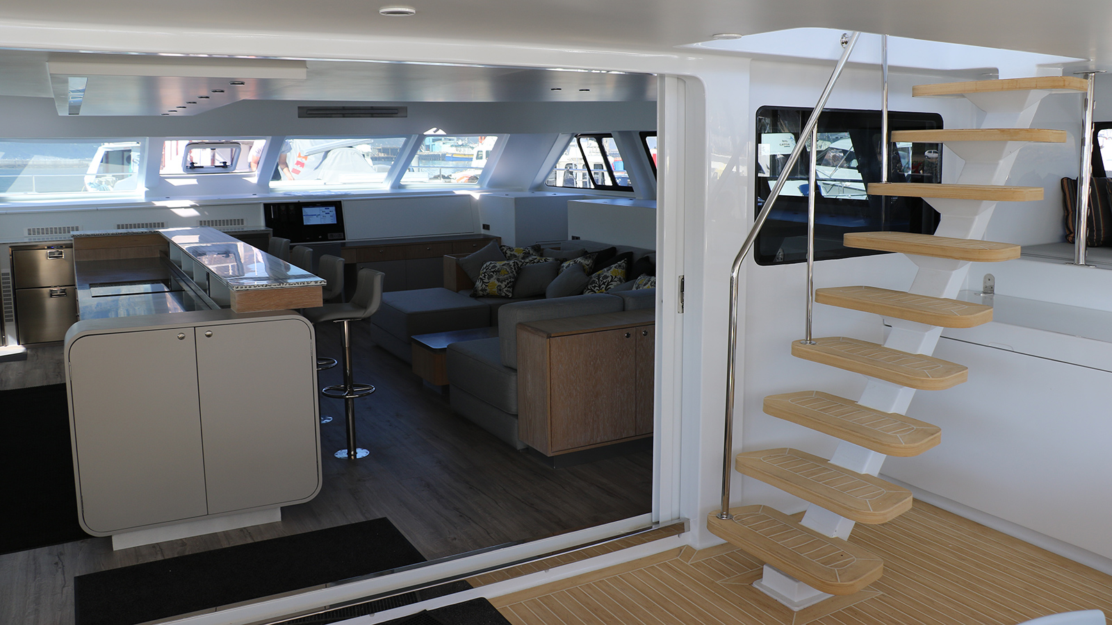 the-cockpit-of-open-ocean-800-expedition-catamaran-cake