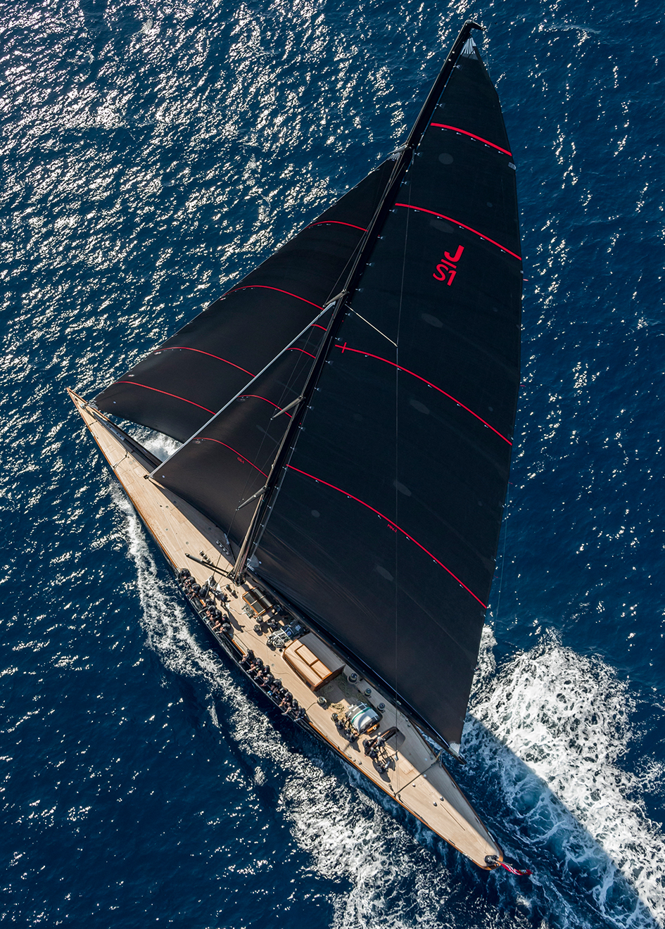 aerial-view-of-the-j-class-sailing-yacht-svea-credit-carlo-borlenghi