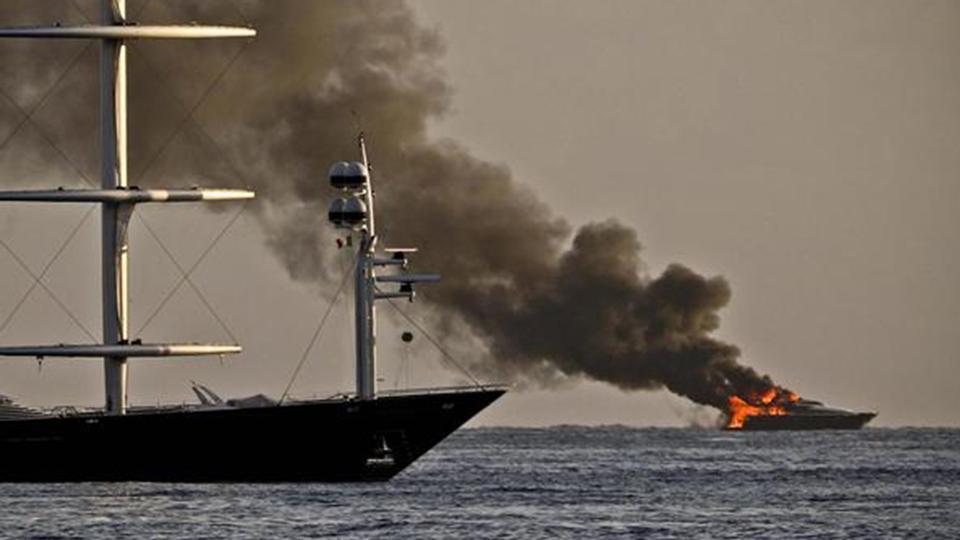 napoli football owner aurelio de laurentiis u2019s yacht catches fire in italy