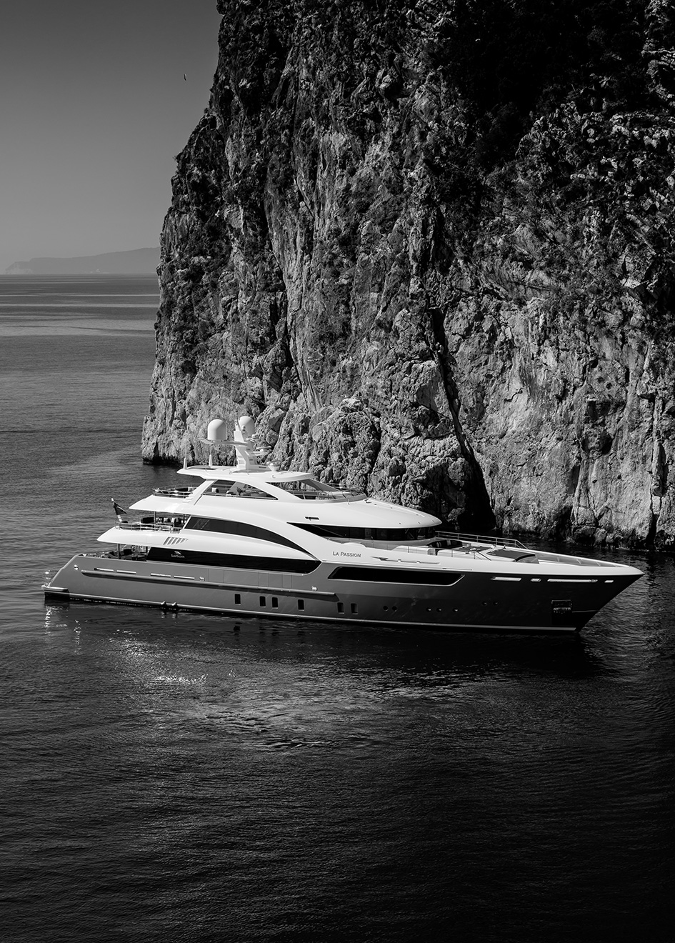 side-view-of-la-passion-by-sarp-yachts-credit-jeff-brown-breed-media