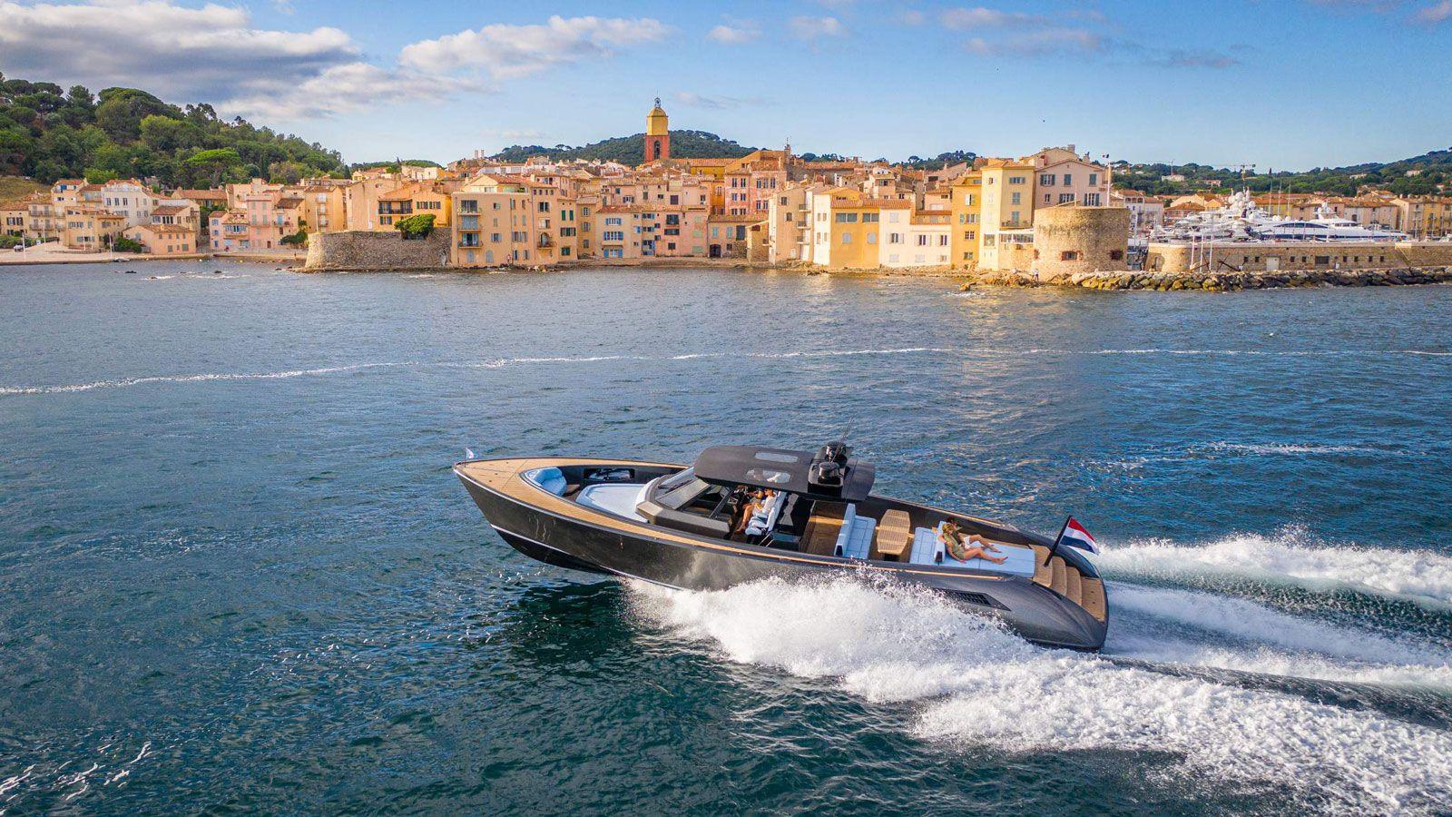 KieFnUdQ5ygwRUR4nhk4 wajer 55 s world premiere tinder monaco yacht show