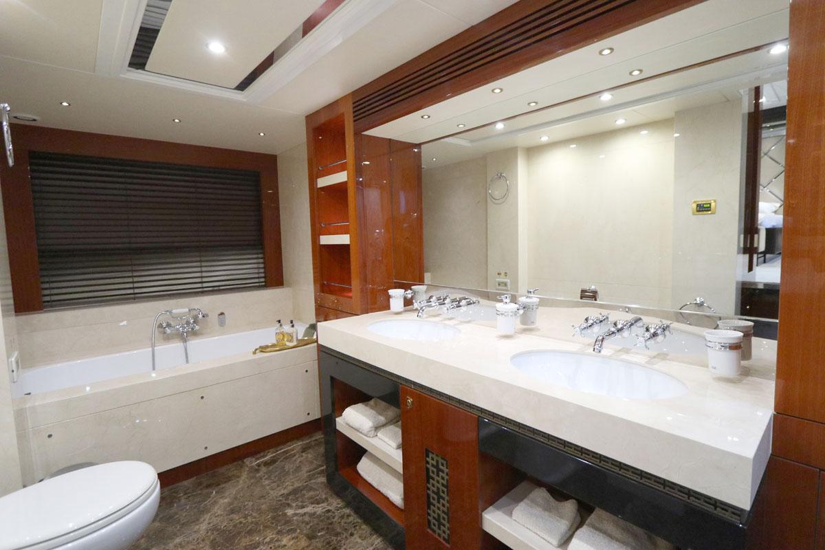 Rhine   C and N   Bathroom 1