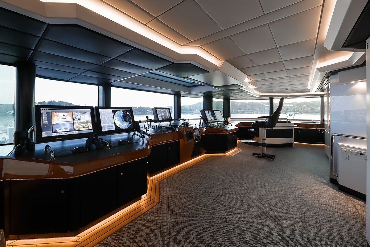 Lady Moura | C and N | Pilothouse 1