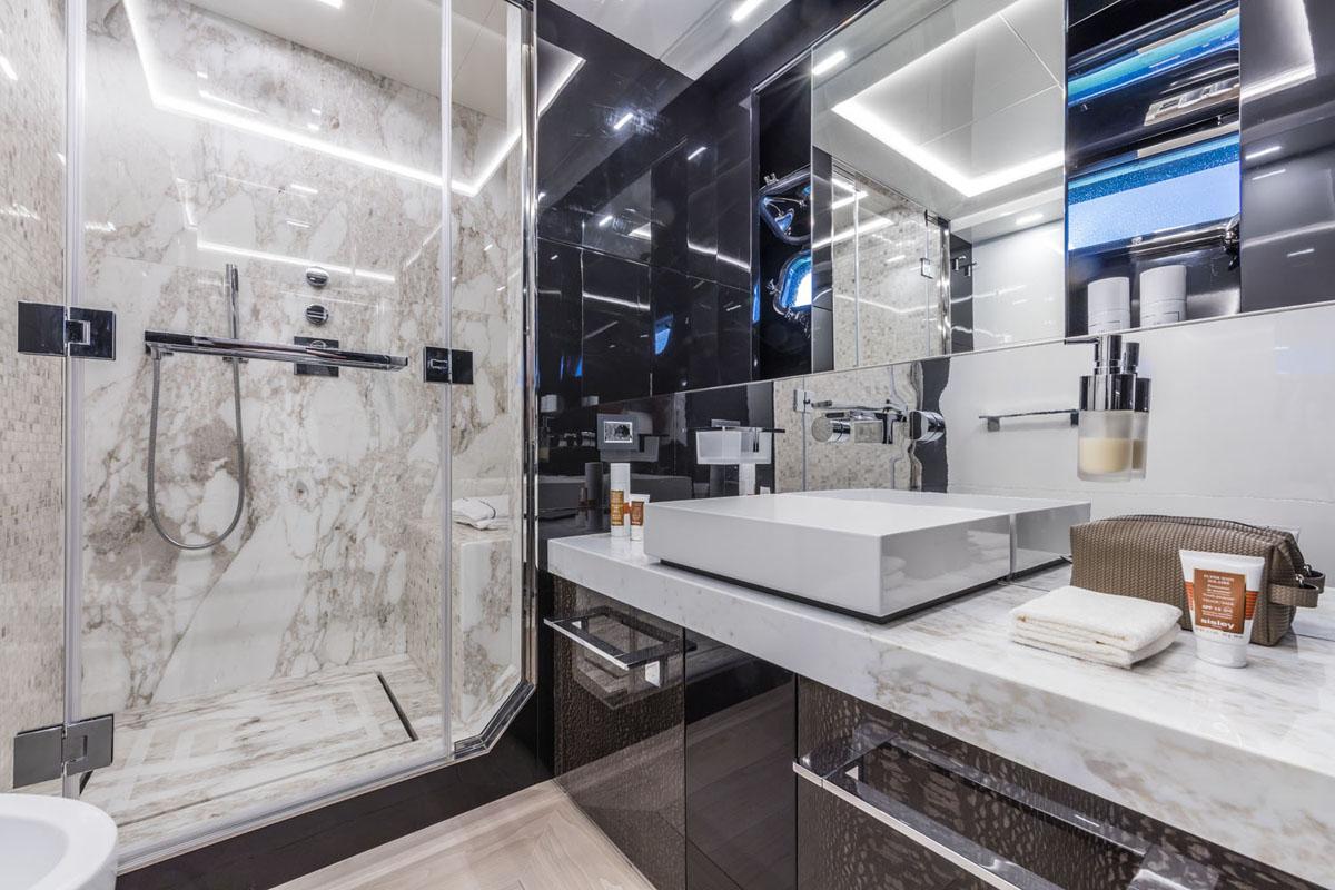 RJ | C and N | VIP Bathroom