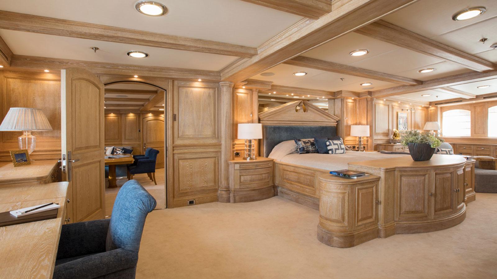 nero-master-bedroom
