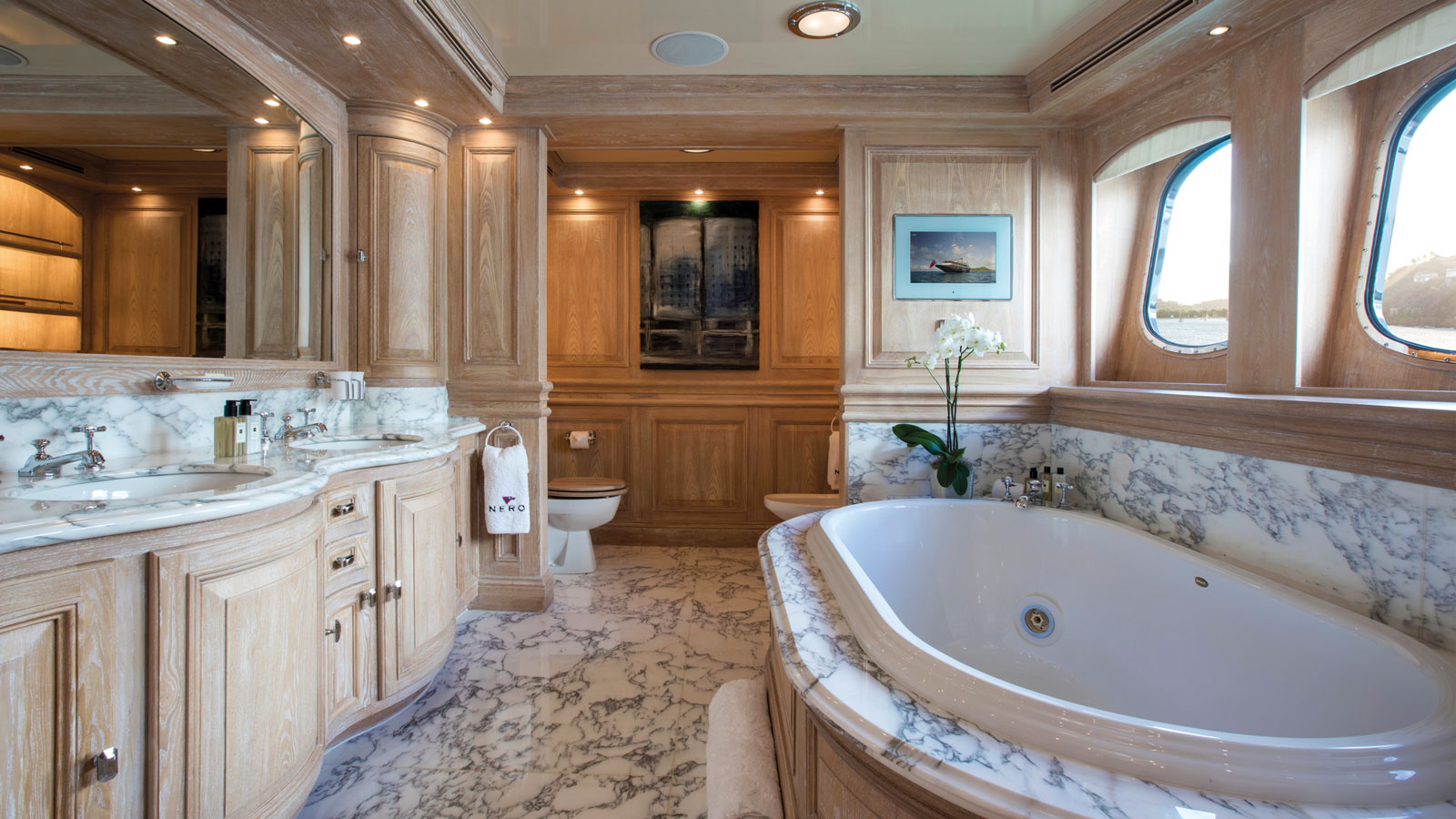 nero-marble-bathroom