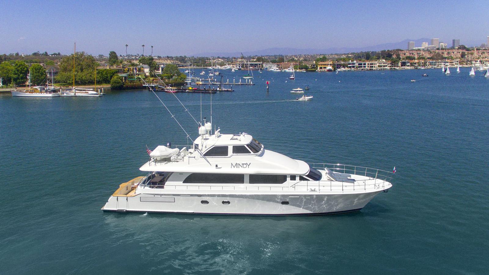 mindy-yacht-exterior