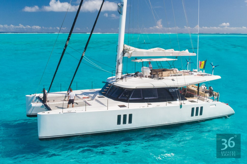 SUNREEF-62-yacht-for-sale-for-charter-vbs-01.jpg