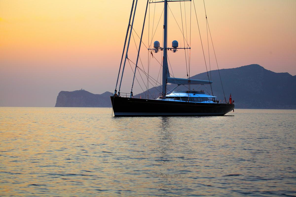 PRANA-yacht-for-sale-for-charter-vbs-01.jpg
