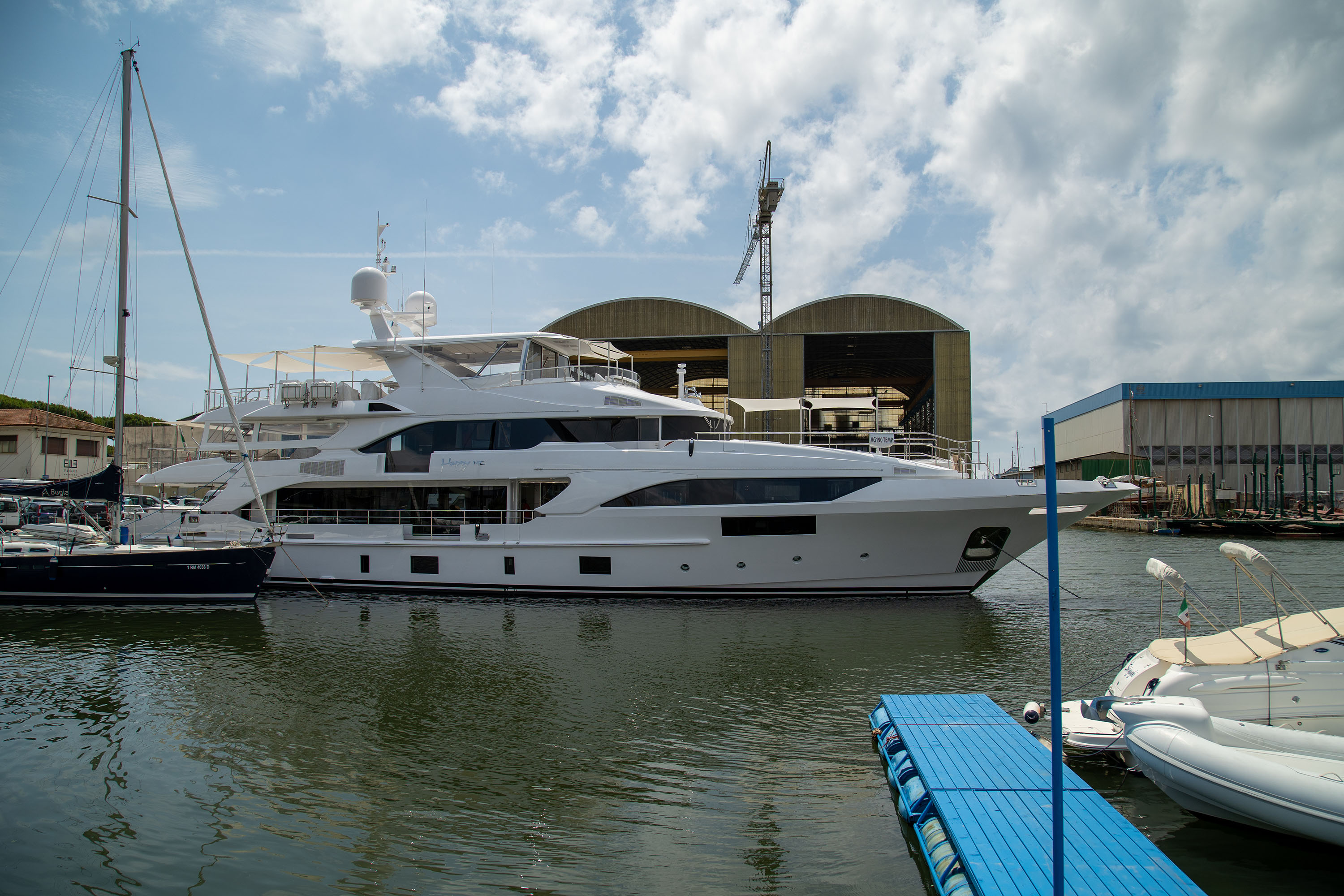 HAPPY-ME-yacht-for-sale-for-charter-vbs-01.jpg