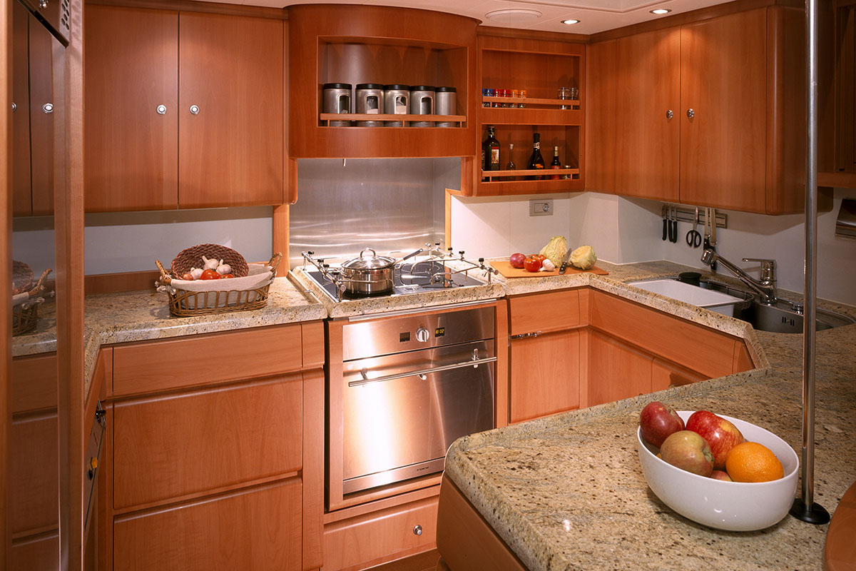 CNI_Mbolo-4891-012-galley.jpg