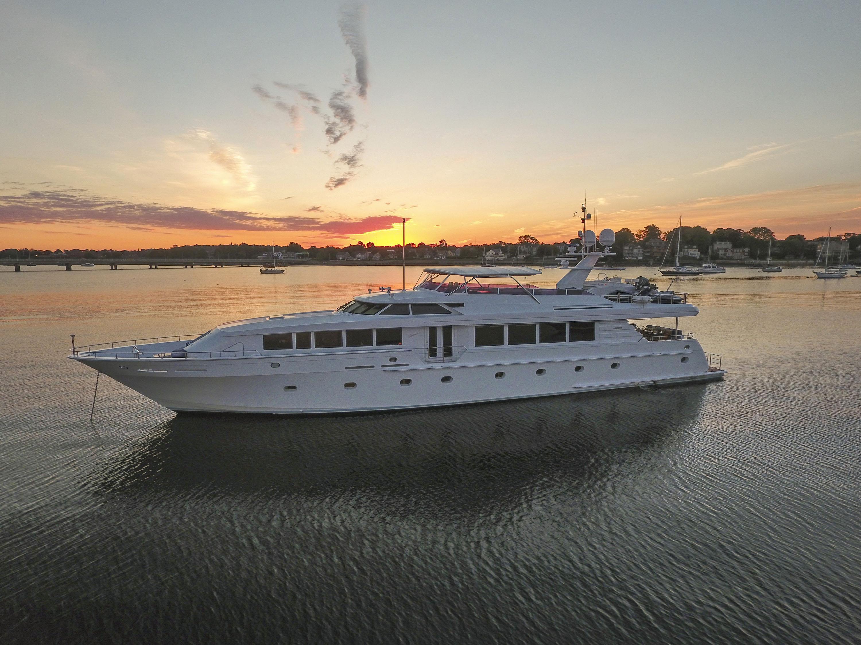 SAVANNAH-yacht-For-sale-charter-01.jpg
