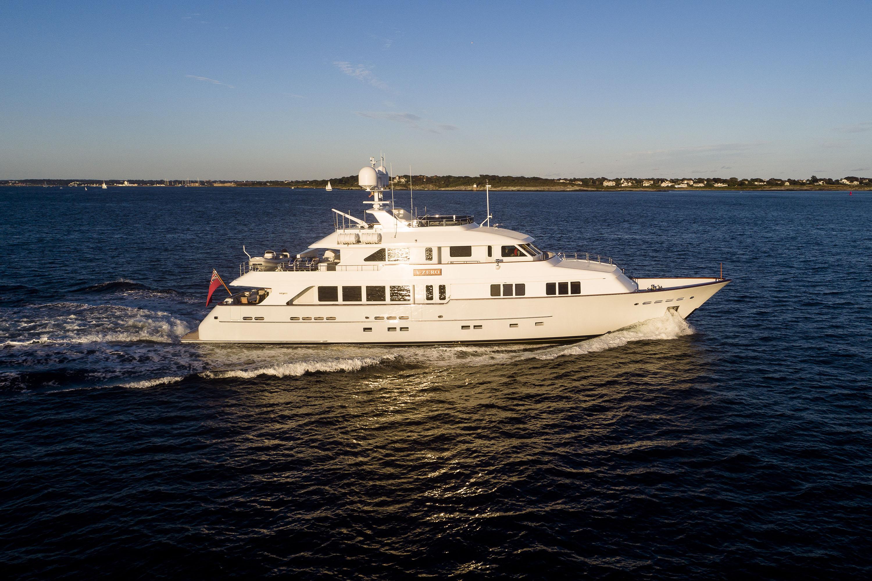 T-ZERO-yacht-For-sale-charter-01.jpg