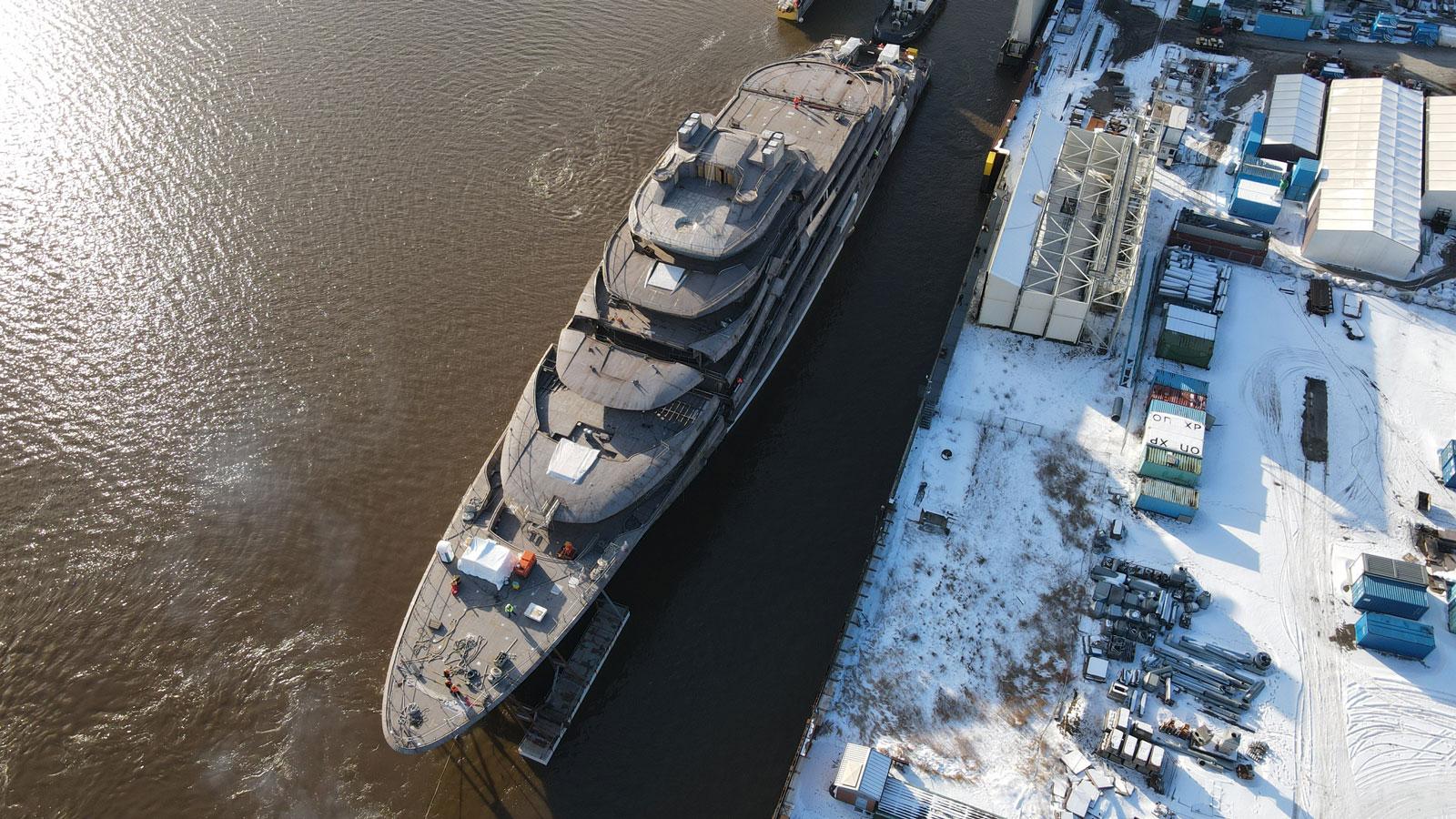 Project Luminance superyacht underway at Lurssen