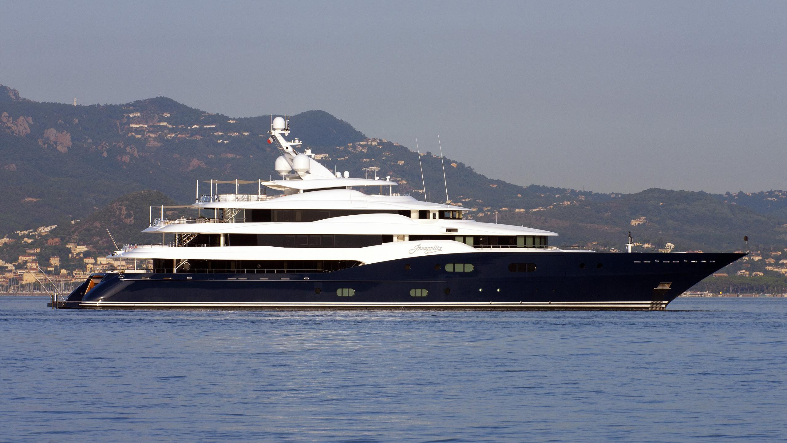 amaryllis-yacht-exterior