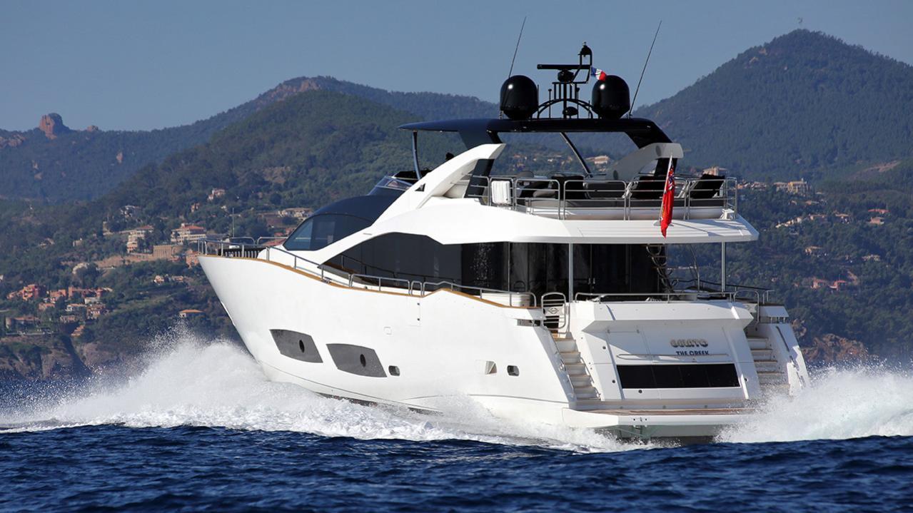 gelato-yacht-cruising