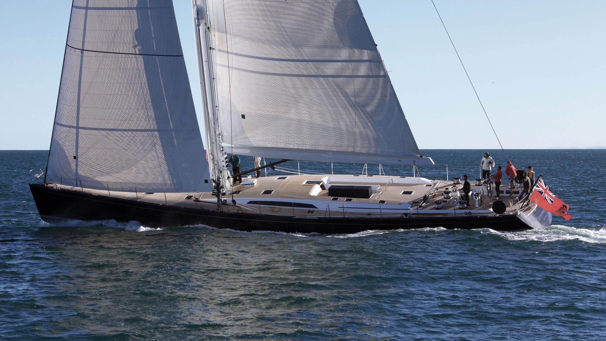 cape-arrow-yacht-at-sea
