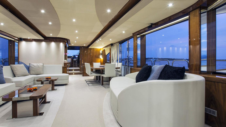 gelato-yacht-saloon