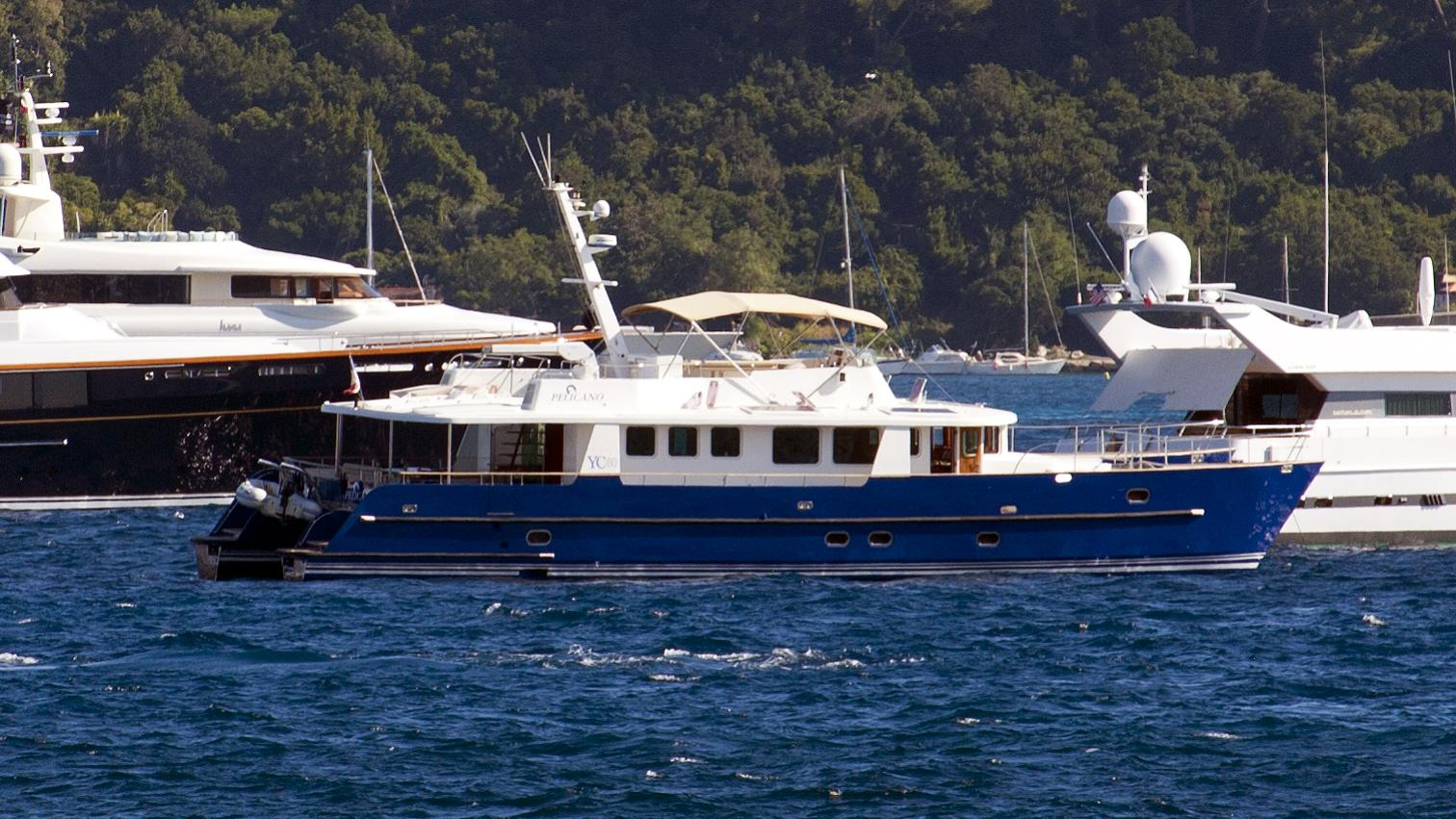 pelicano-yacht-exterior